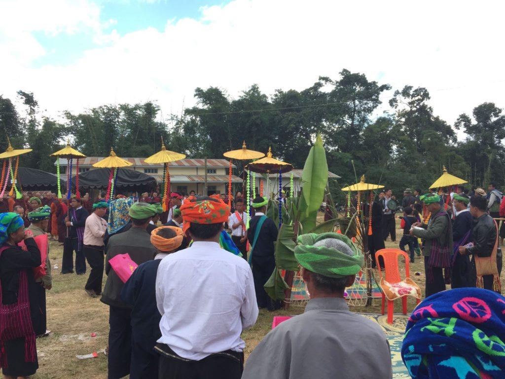 リンレイ村のお祭りの様子